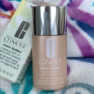 Clinique Even Better Foundation w SPF 15. NEW